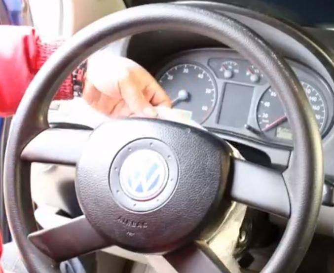 汽车方向盘纹路缺失修复视频