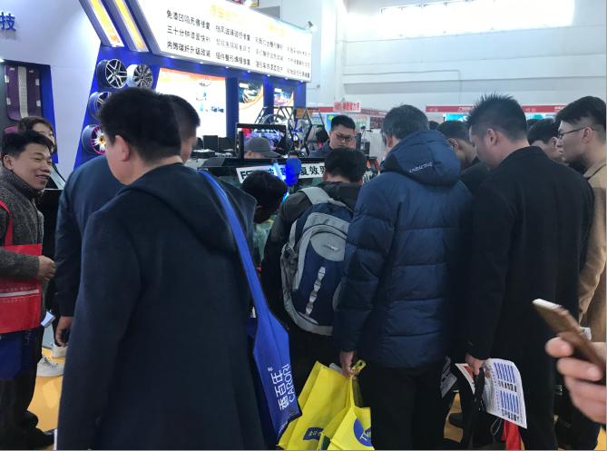 2019北京雅森汽车用品展次日,飞斯特展位火爆继续升温