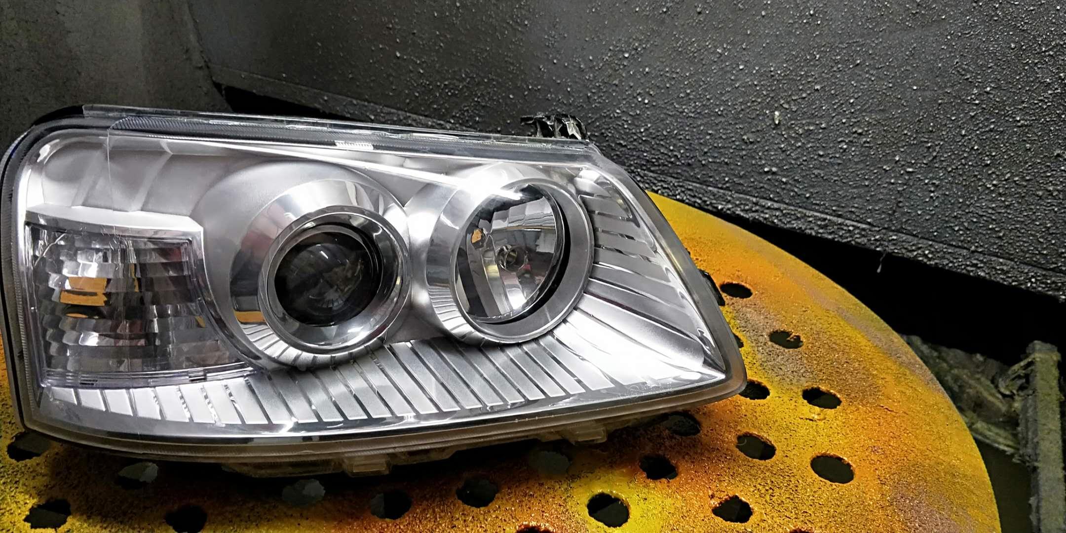 汽车车灯划痕修复